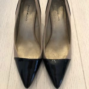 Bandolino Black and Nude Patent Leather Kitten